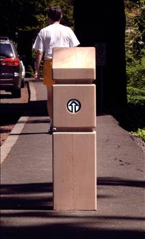 2592-M Timber Bollard with Directional Arrow